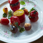 28_HeirloomTomatoSalad_016.jpg